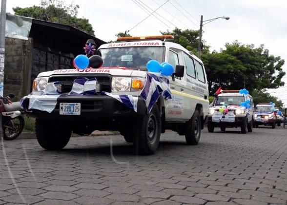 FSLN politiza entrega de ambulancias