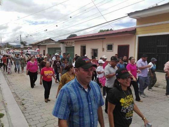 FSLNS politiza entrega de ambulancias