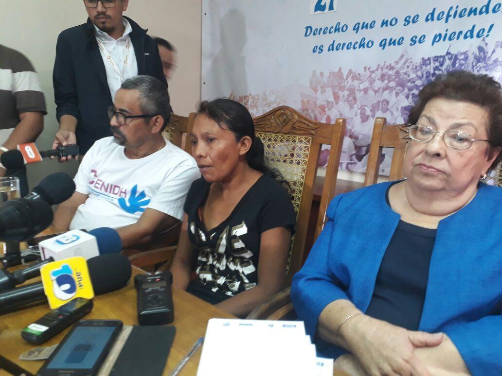 Lea Valle madre de Yojeisel Pérez Valle, de 16 años, y Francisco Pérez, de 12 años, los dos adolescentes que fueron asesinados por el Ejército