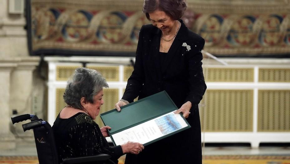 Claribel Alegría recibió a sus 93 años el premio Reina Sofía. Foto: Tomada de EFE