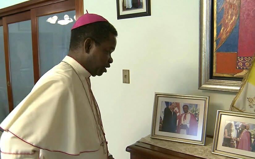 Nuncio saliente respalda a monseñor Silvio Báez ante ataques de Daniel Ortega.