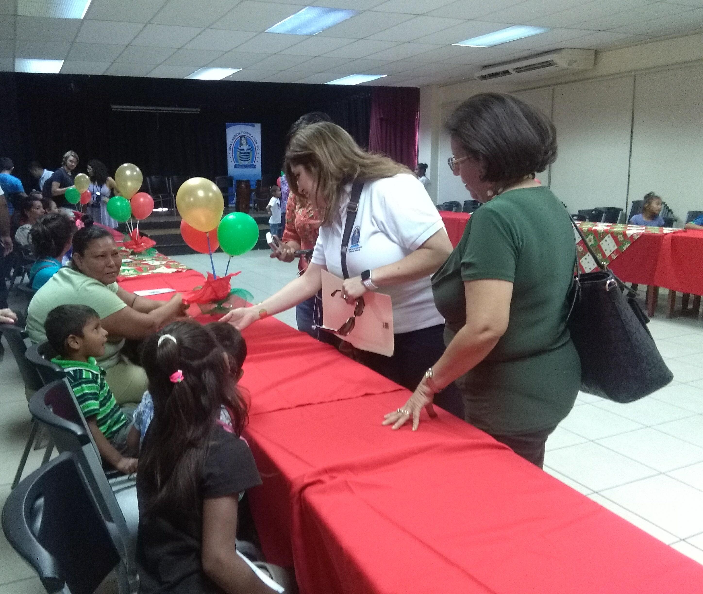 Fundación Dina Carrión en el primer encuentro de niños huérfanos víctimas del femicidio.