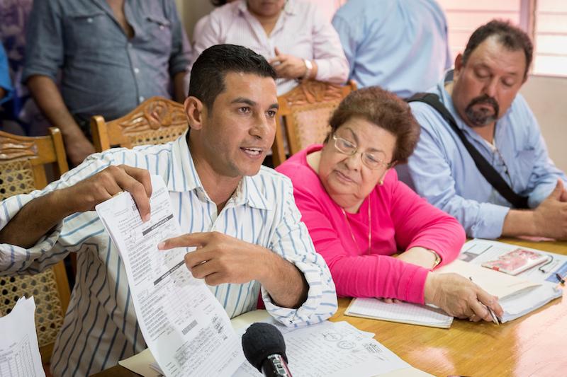Melvin Báez, excandidato a alcalde por el PLC en San Pedro de Lóvago denunció con pruebas el fraude. Foto: Confidencial