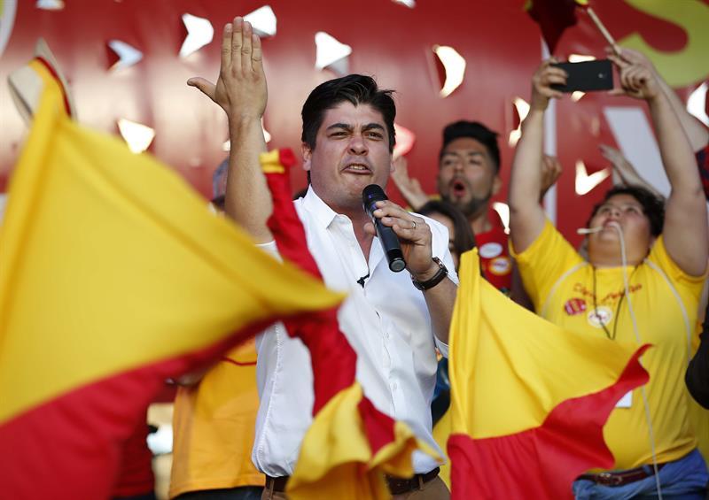 Carlos Alvarado es el candidato que obtuvo el segundo lugar en la primera vuelta de las elecciones en Costa Rica. Ahora tendrá que medirse con Fabricio Alvarado.