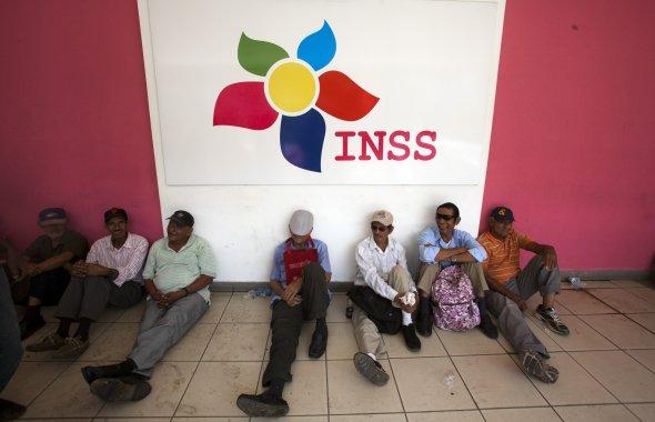 El bolsillo de los jubilados sangras tras las medidas adoptadas por el régimen Ortega Murillo. Foto: Cortesía / Artículo 66