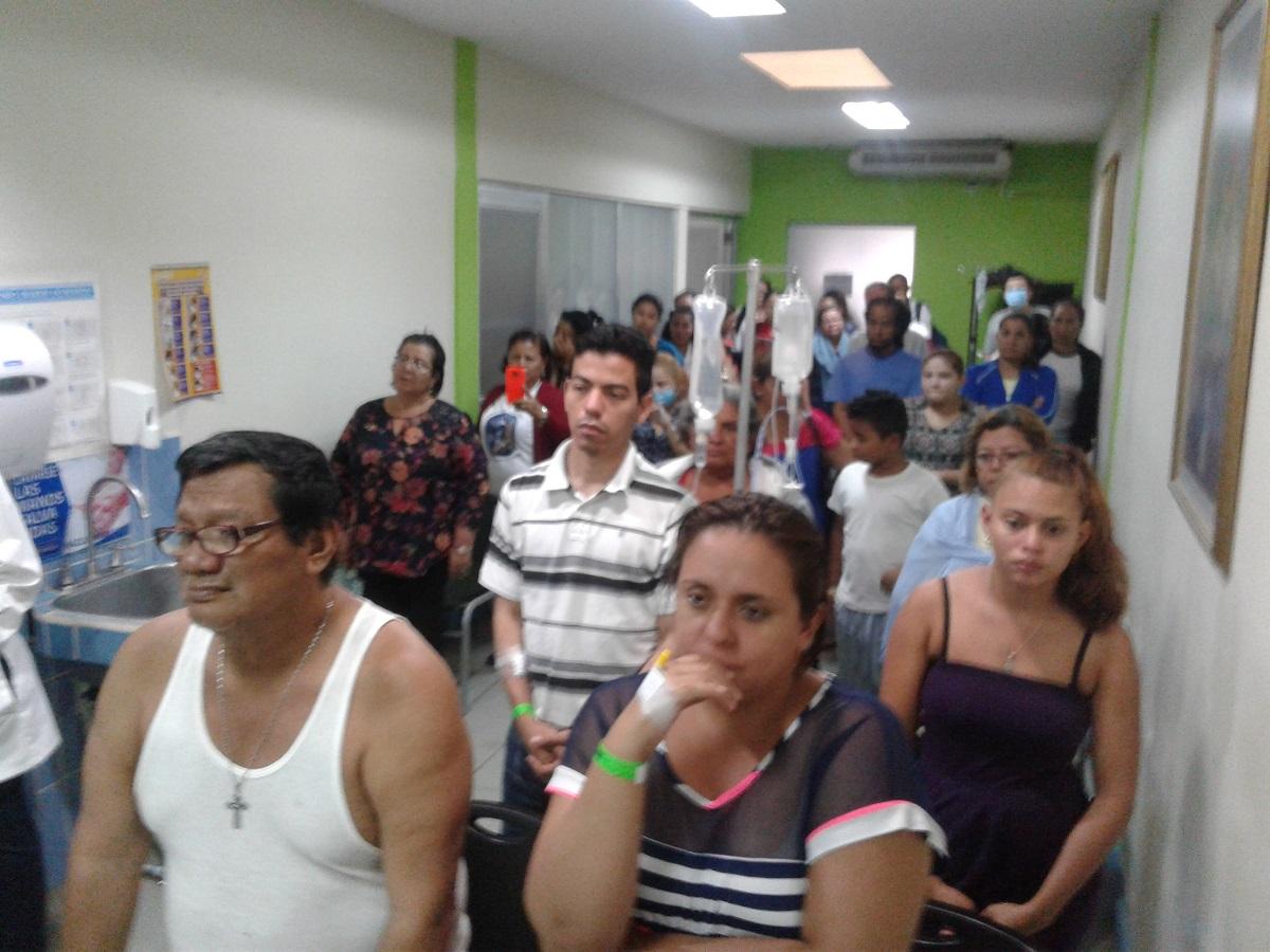 Los pacientes de un hospital de Managua compartieron con Monseñor Báez durante la misa del Miércoles de Ceniza. Foto: I. González / Artículo 66