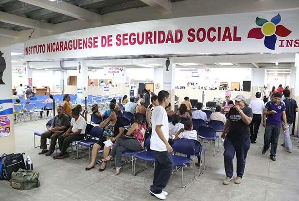 Las presiones económicas del Seguro Social han sido cargadas sobre los hombros de los asegurados y pensionados. El Estado se resiste a pagar más de 50 millones de dólares que debe al INSS.