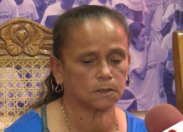 Emma Maldonado, madre de Juan Rafael Lanzas pide justicia en el Cenidh. Foto/Cortesía