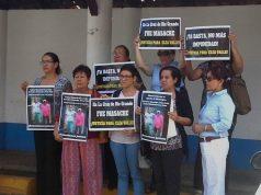 Mujeres denuncian asesinato y abuso de autoridad en el caso de la masacre de La Cruz de Río Grande. Foto: Cortesía
