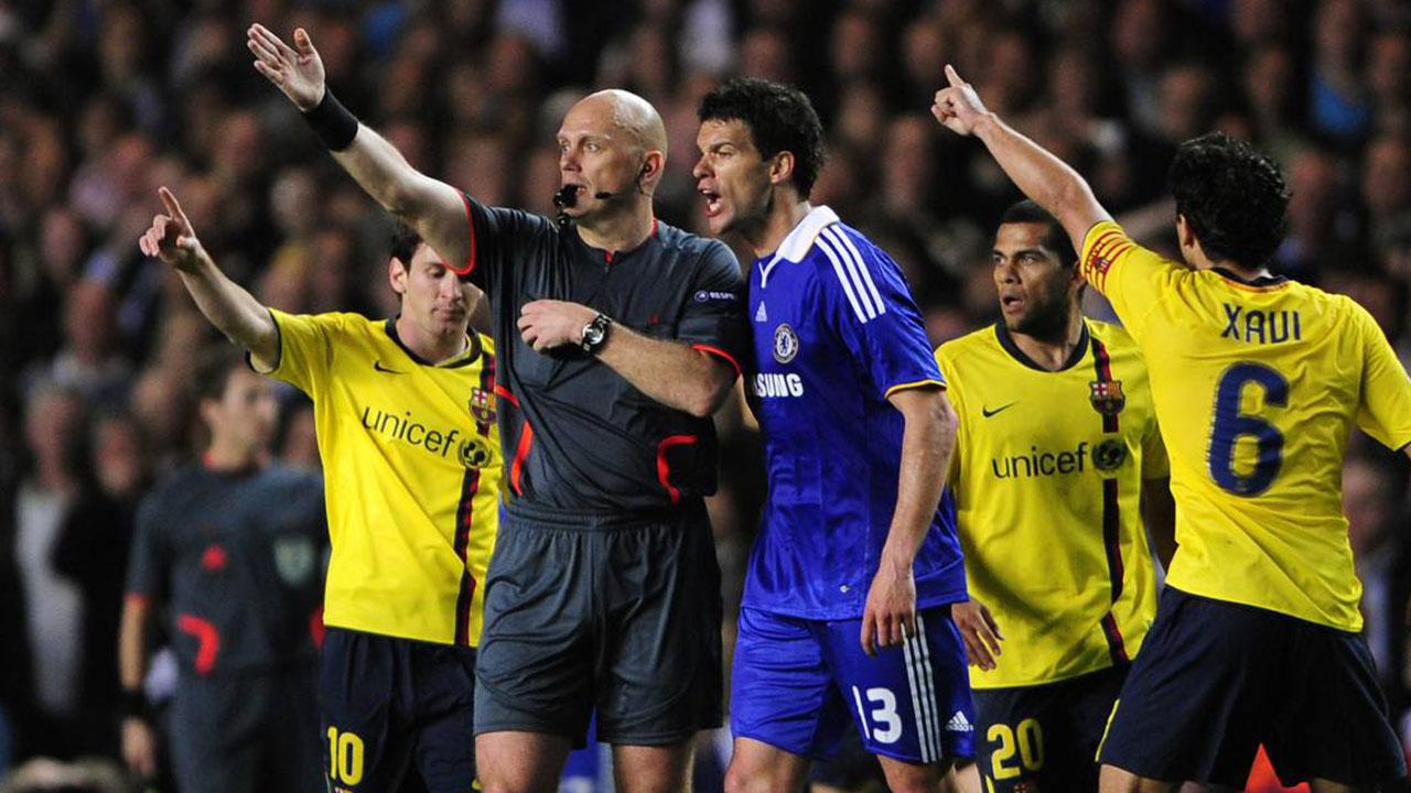 Tom Øvrebø, el arbitro es conocido mundialmente por ser el artífice de uno de los escándalos más sonados de la historia del fútbol.