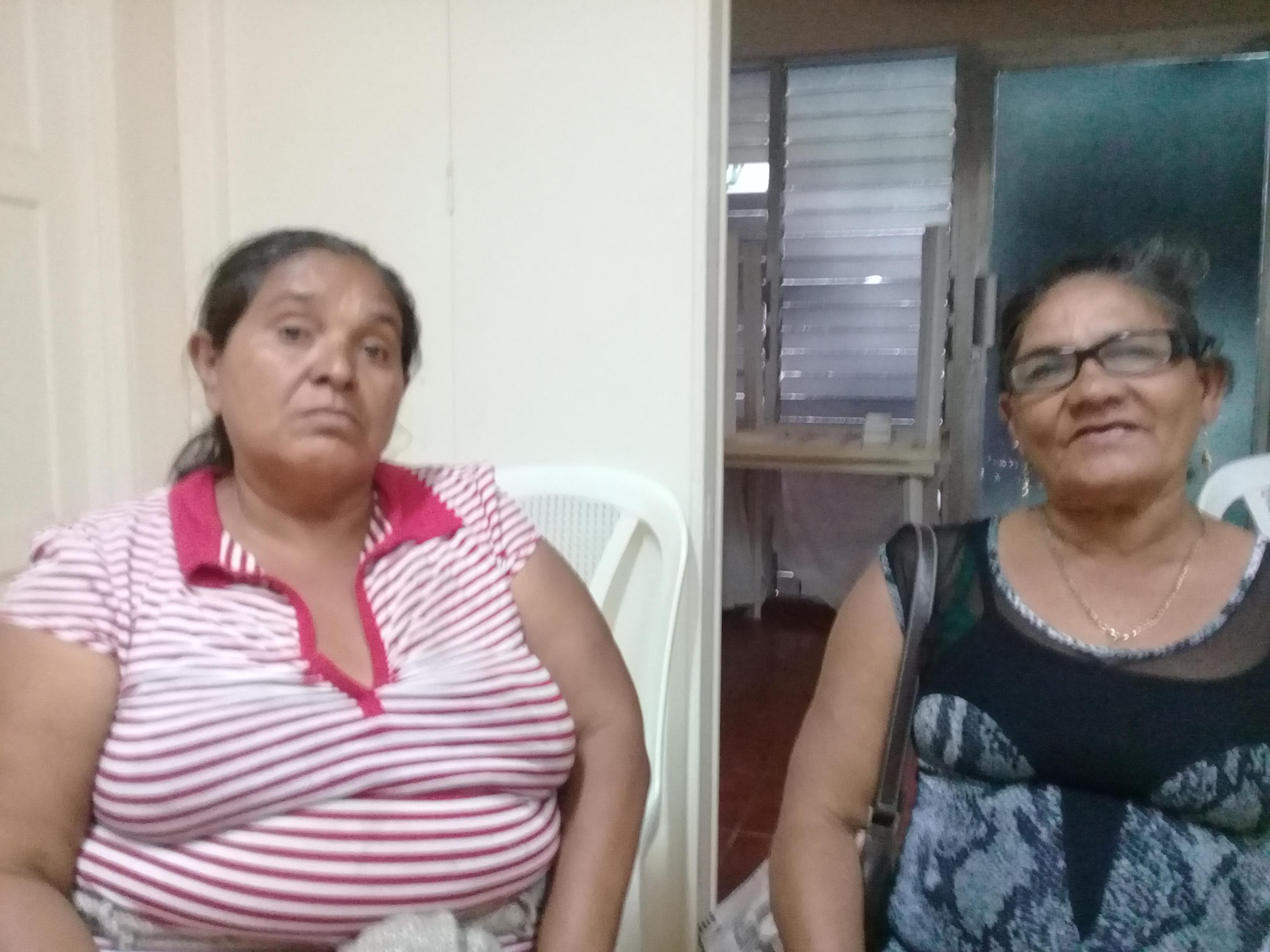 María de la Concepción Juárez y la viuda Lucia Acevedo. Fotografía: A. Mogollón/ Artículo66