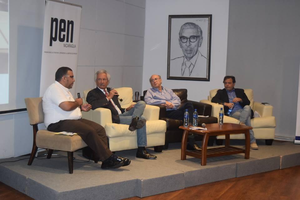 Conversatorio sobre corrupción. Foto: Fundación Violeta Barrios