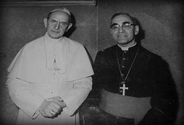 El Papa Pablo VI y Monseñor Romero en el Vaticano. Foto: El Faro