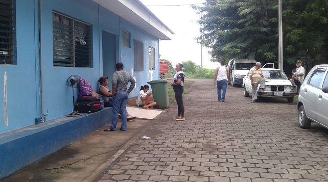 Entrada de emergencia del hospital España en Chinandega. Foto: Periódico hoy