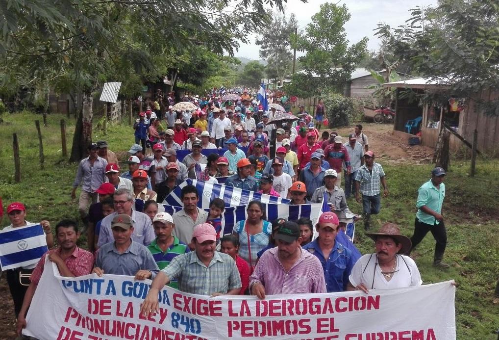 Más de 1 000 miembros de Movimiento Campesino se movilizaron hasta Punta Gorda para exigir que se derogue la Ley 840. Foto: Cortesía