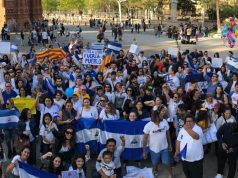 Nicaraguenses en España salen a las calles en apoyo a sus hermanos pinoleros que son masacrados en Nicaragua. Foto: Tomada de Onda Local