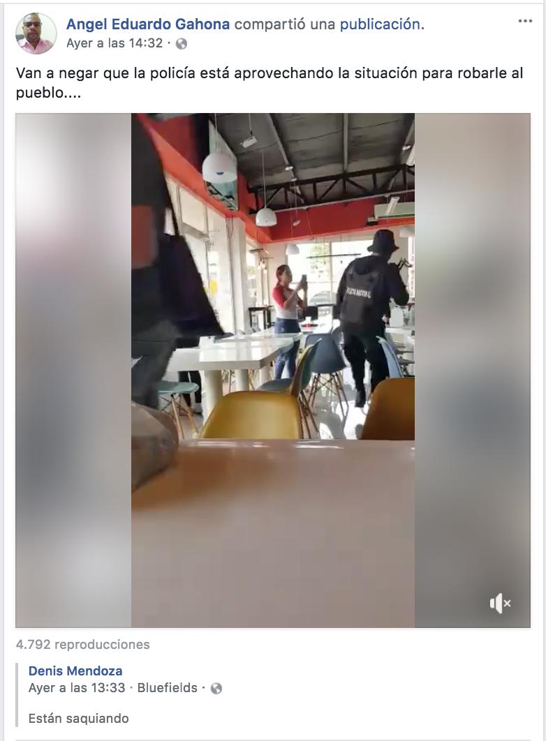 En uno de los últimos post de Facebook en su perfil, el periodista Ángel Gahona critica el robo de víveres por parte de policías para evitar que fueran entregados en solidaridad con los universitarios en las protestas