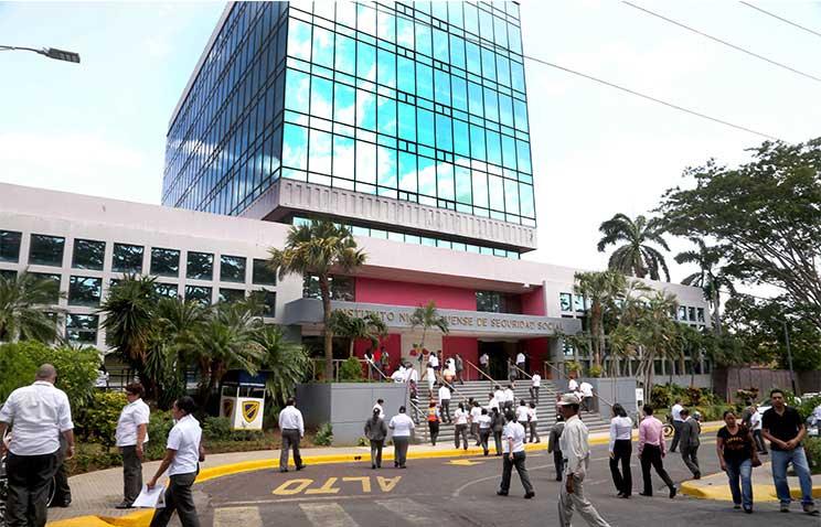 Daniel Ortega sangra a trabajadores y pensionados con reforma al Seguro Social. Foto: La Voz del sandinismo