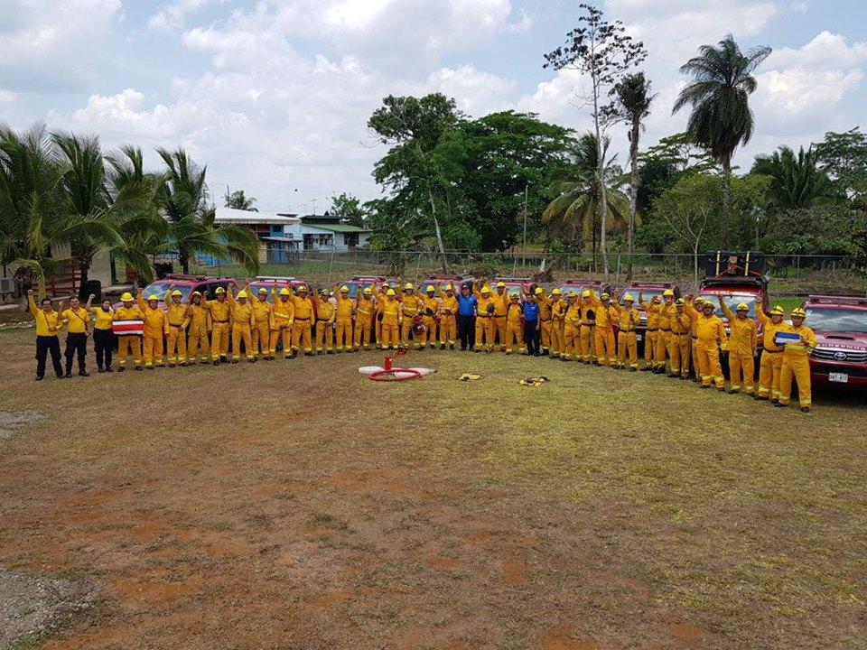 Los bomberos costarricenses se mantienen a la orden y en la mejor disposición de ayudar. Foto: Bomberos de Costa Rica