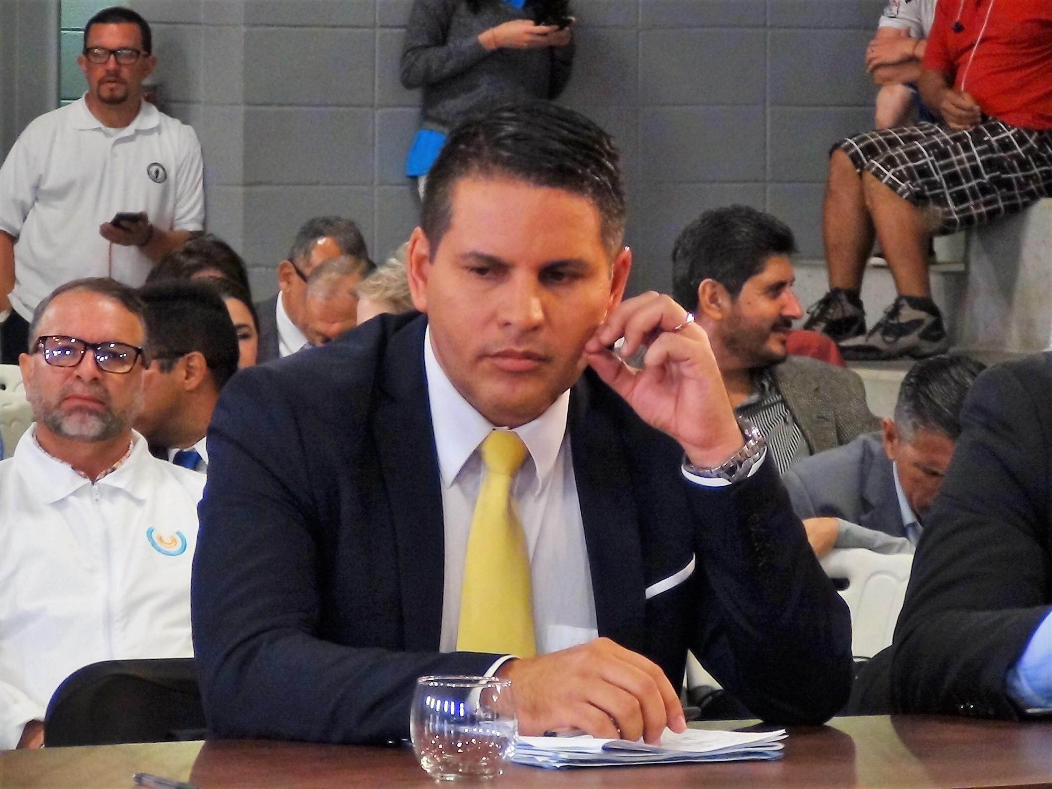 Fabricio Alvarado fue derrotado por más de 20 puntos en una elección donde el debate estuvo dominado por sus posiciones religiosas y homofóbicas