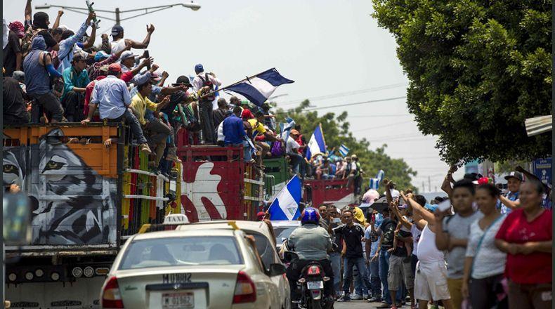 Caravana campesina apoya peregrinación en busca de paz y justicia. Foto: La Prensa