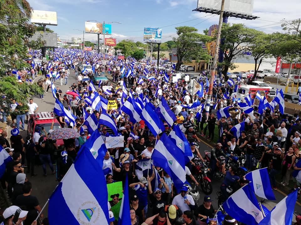 Miles exigen justicia y democratización de Nicaragua en marcha de las madres de abril. Foto: A. Navarro