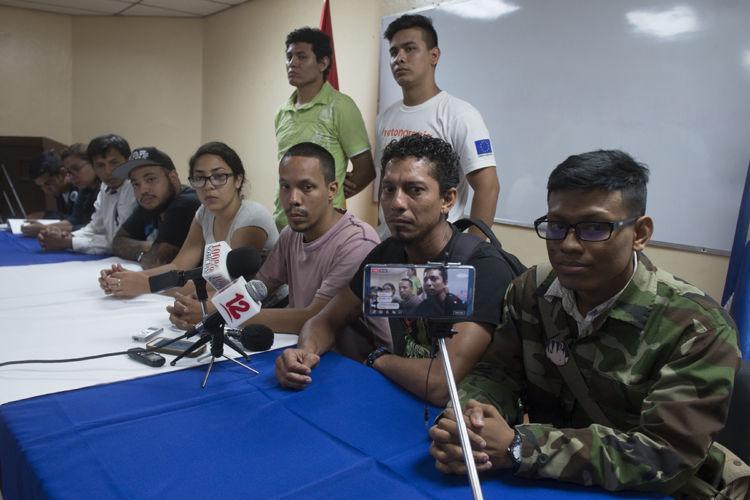 Estudiantes de la UNAN-Managua exigen destitución de UNEN y nuevas elecciones. Foto Jader Flores/ LA PRENSA
