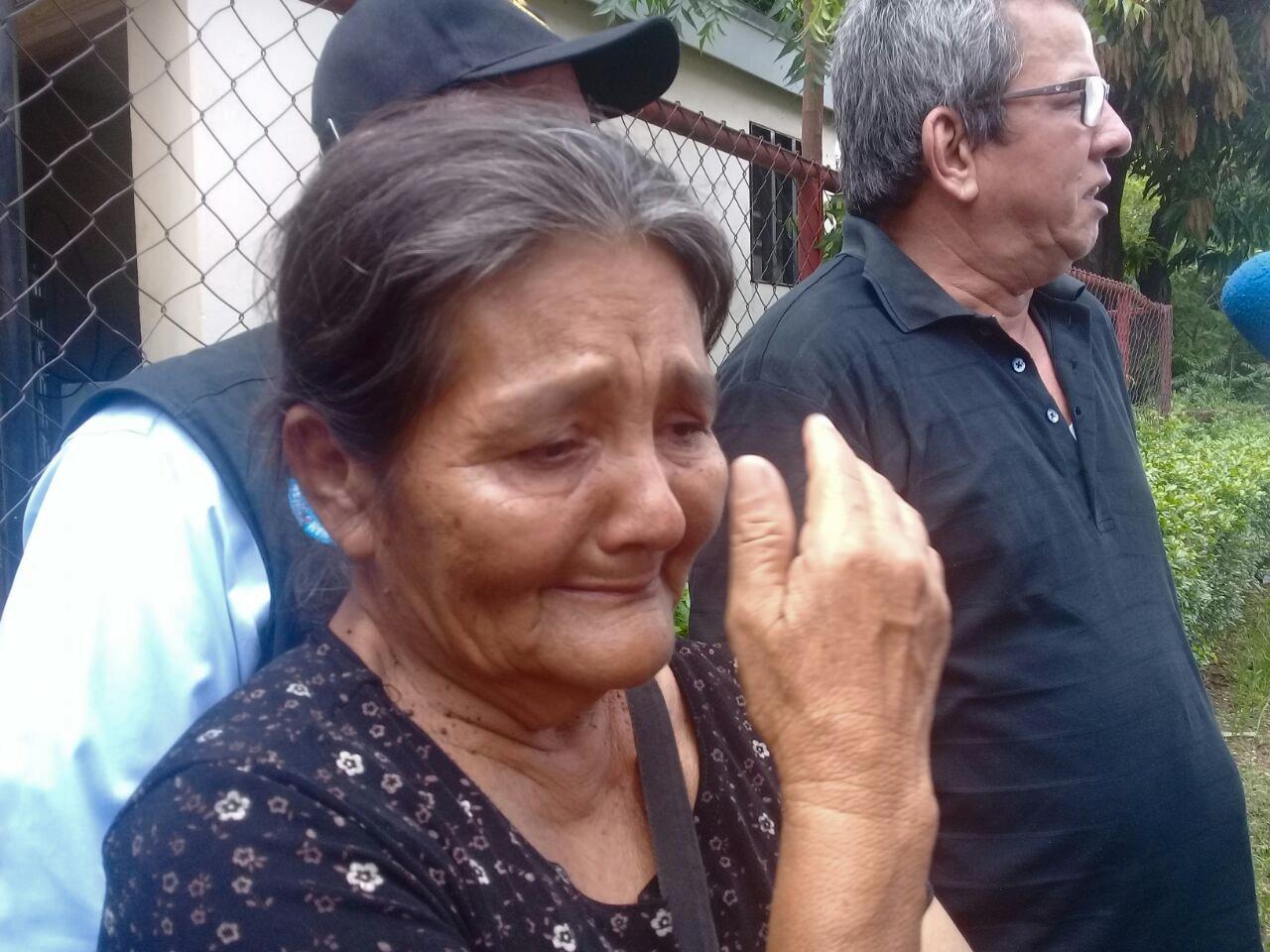 Tía de del joven Daniel Reyes, pedía justicia por la muerte de su sobrino. Fotografía: Artículo66