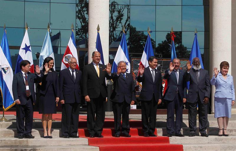 Representantes de países de centroamérica en Cumbre Centroamérica 2015. Foto: Diario Las Americas