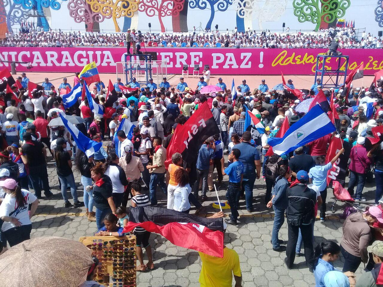 La mayoría de los seguidores de Ortega estaban frente a su tarima. Foto/Artículo66