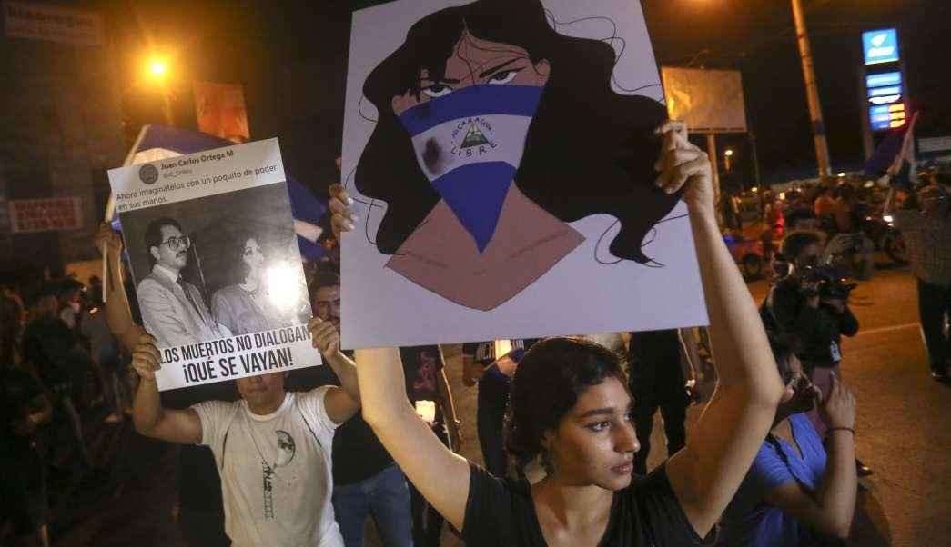 Universitarios protestan contra Daniel Ortega en Nicaragua. Foto: AP