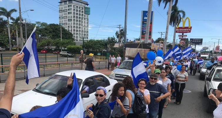 Más de tres kilómetros de cadena humana contra la dictadura de Daniel Ortega. Foto/Cortesía