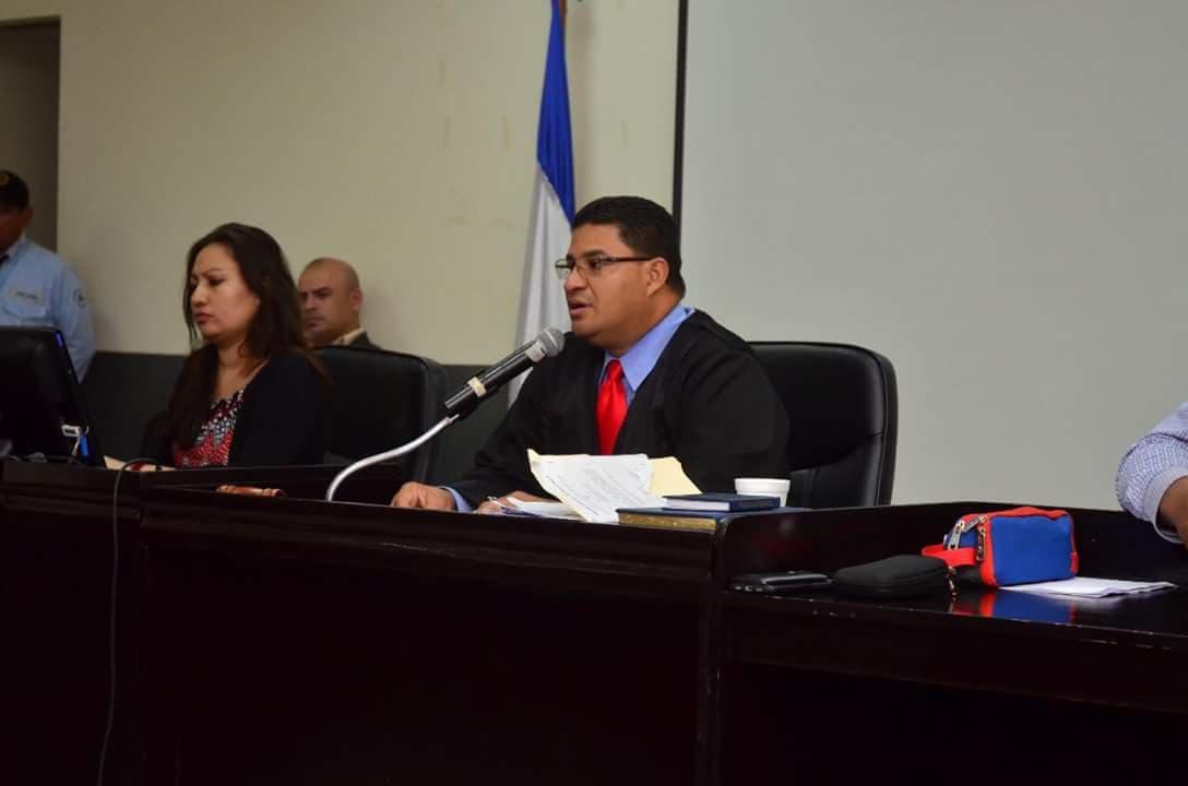 Ernesto Rodríguez, el judicial orteguista que ejecuta las órdenes de condenar a presos políticos por protestar contra la dictadura de Daniel Ortega y Rosario Murillo
