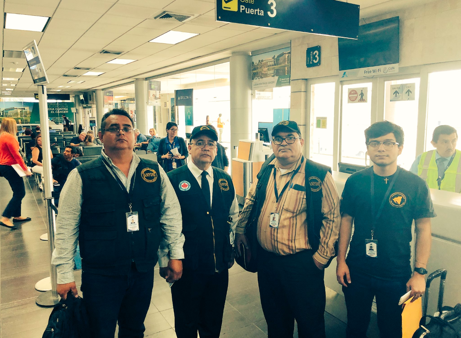 Paulo Abrão se encontró a los miembros de la ANPDH cuando viajaban al autoexilio. Foto: P. Abrão