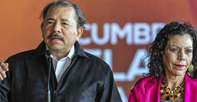 Daniel Ortega va sobre canales de televisión de su exsocio, Ángel González