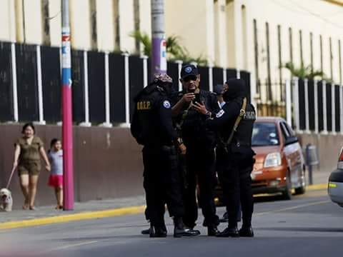"""El comisionado Ramón Avellán, considerado el responsable de los 35 asesinatos de pobladores de Masaya, recibirá de la alcaldía de la ciudad el nombramiento de """"hijo dilecto""""."""
