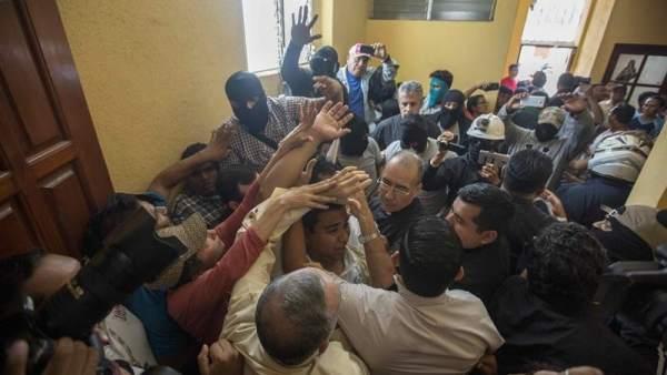 """Líderes católicos no ven la """"normalidad"""" que pregona el régimen de Ortega. Foto: Jorge Torres/EFE"""
