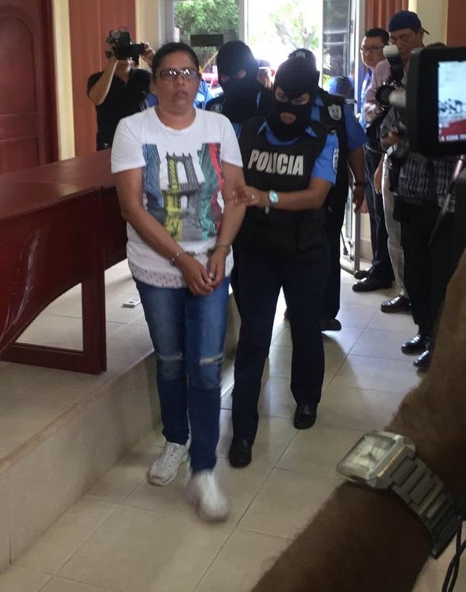 """Olesia Muñoz profesora de música acusada de """"terrorista"""". Foto: Radio Ya"""