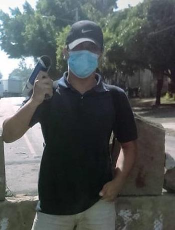 """""""José"""" mientras participaba en uno de los tranques del departamento de Carazo. Foto: Cortesía"""