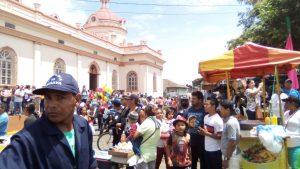 El oficialismo organizó un mini carnaval con una imágen apócrifa para medir fuerzas con la Iglesia Católica. Foto: N. Miranda / Artículo 66