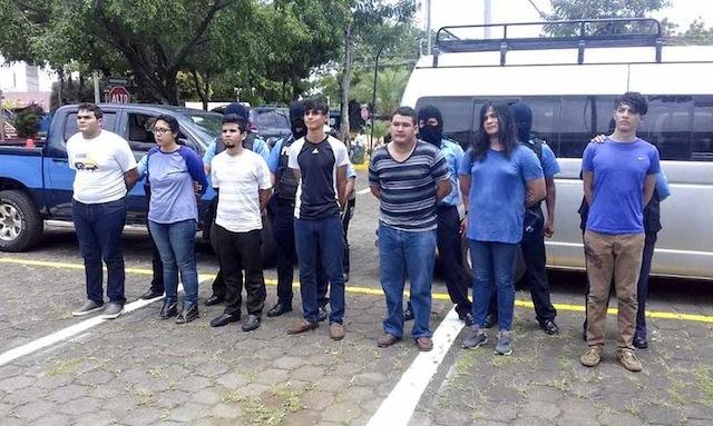 Fiscalía orteguista acusa a estudiantes universitarios de León por incendio y asesinato. Foto/19digital