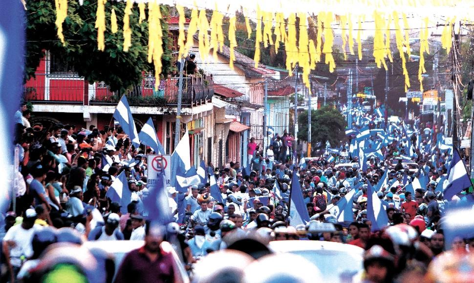 Francisco Ortiz participaba en las marchas azul y blanco en Masaya. Foto: END