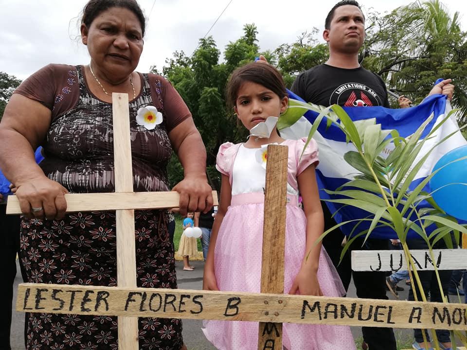 Levantan memorial por las víctimas de la dictadura en el atrio de la catedral de Managua. Foto: A. Navarro / Artículo 66