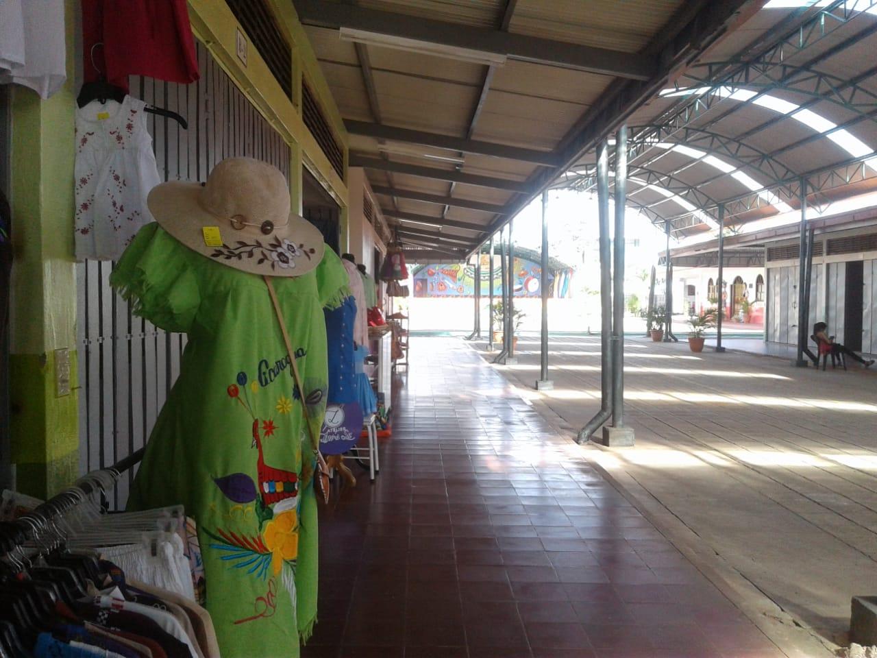 Desolación en el mercado de artesanías de Masaya por falta de turistas. Foto: N. Miranda / Artículo 66