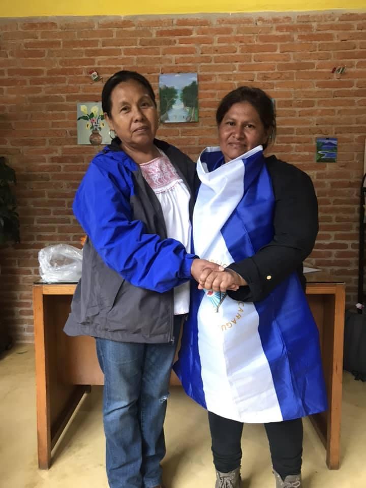 Francisca Ramírez se reúne con la lideresa indígena Marichuy. Foto/Cortesía
