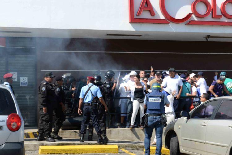 Policía orteguista captura a activistas y directivos del Movimiento Renovador Sandinista. Foto: La Prensa