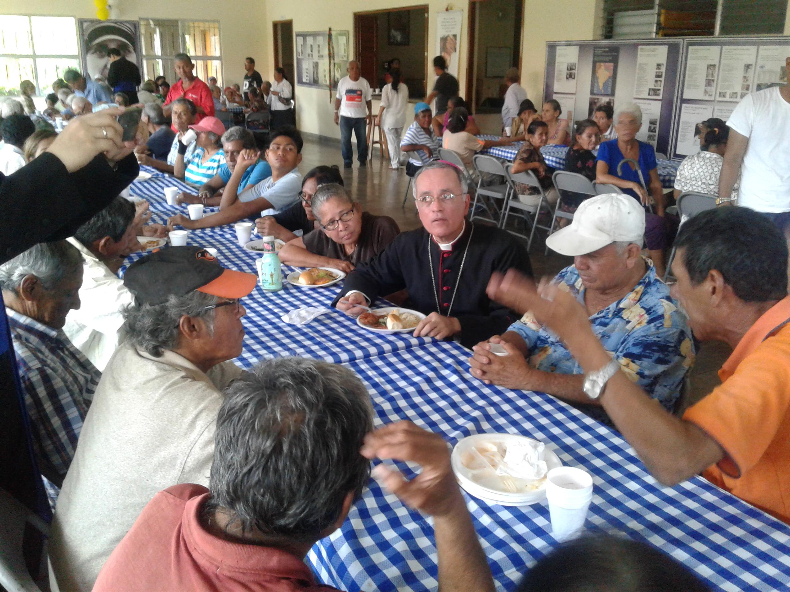"""""""En la Iglesia de Jesús, queremos poner a los pobres en el centro"""", indicó el obispo auxiliar de Managua"""