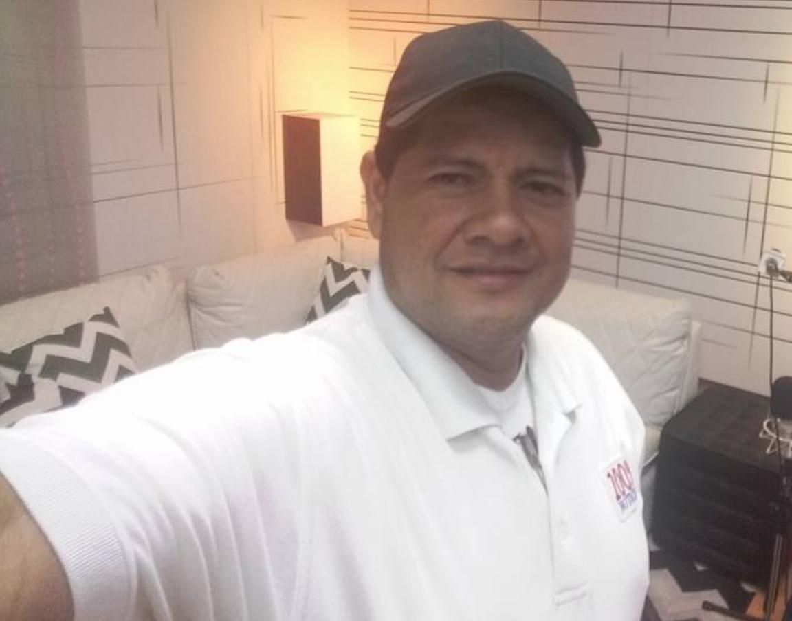Secuestran a conductor personal de Miguel Mora, director de 100% Noticias. Foto tomada de Facebook