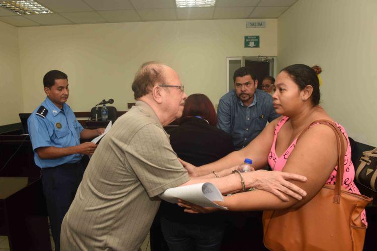 Después de seis días de prisión ilegal, juez ordena liberación del periodista Luis Sánchez Sancho. Foto/LaPrensa