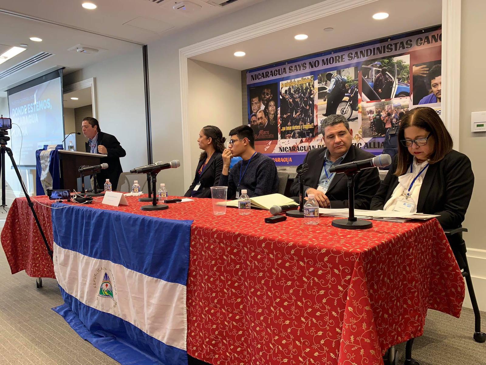 Líderes nicaragüenses presentes en el Primer Encuentro de Líderes Nicaragüenses en el Mundo. Foto: Cortesía